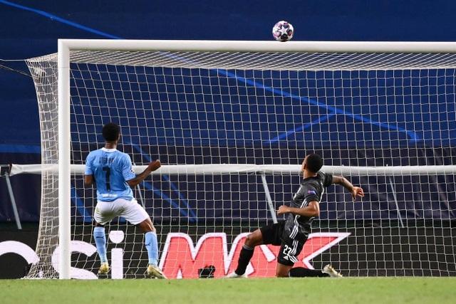 Nhìn lại trận thua đắng ngắt của Man City trước Lyon - 16