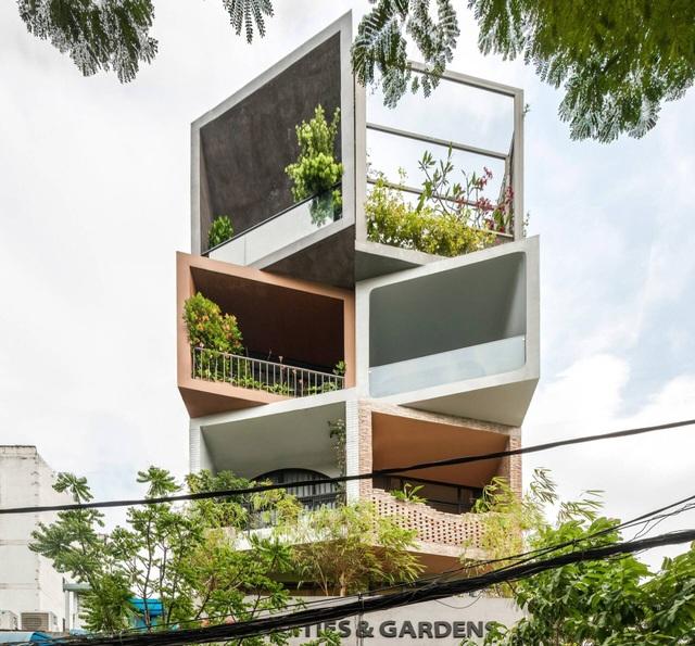 Hai anh em ở Sài Gòn xây biệt thự, lên mỗi tầng như đi du lịch một quốc gia - 2