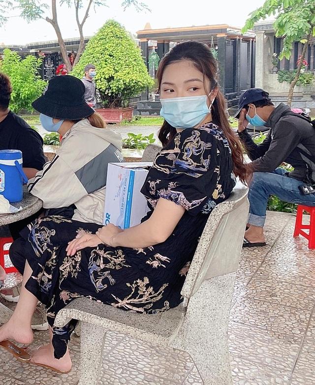 """Chuyện ngoại tình, """"đòi quà"""" 200 triệu đồng sau chia tay nóng showbiz Việt - 13"""