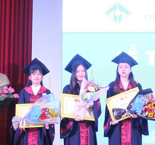 Thủ khoa ĐH Ngoại ngữ Huế giành học bổng thạc sĩ toàn phần Erasmus Mundus - 1