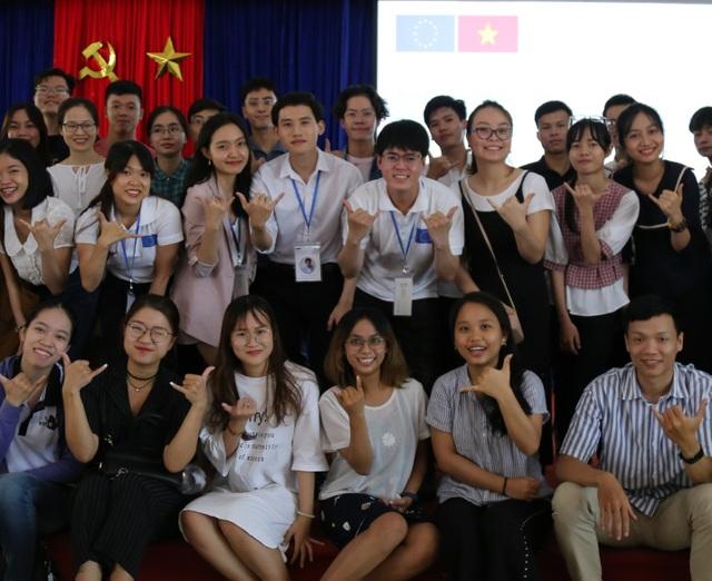 Thủ khoa ĐH Ngoại ngữ Huế giành học bổng thạc sĩ toàn phần Erasmus Mundus - 3
