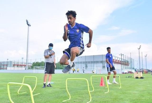 Đội tuyển UAE nhẹ nhõm khi vòng loại World Cup được dời sang năm sau - 1