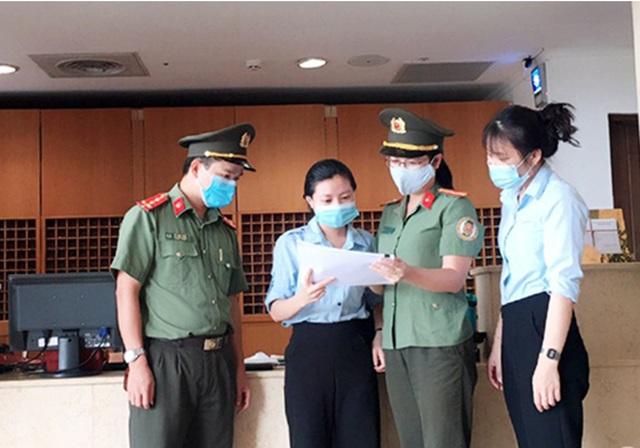 Hà Tĩnh: Phạt 13 chủ cơ sở không khai báo tạm trú cho người nước ngoài - 2