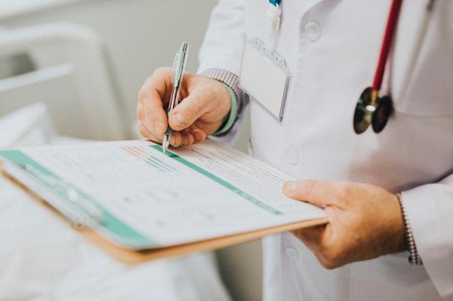 AIA Việt Nam kết nối bệnh nhân ung thư và bệnh hiểm nghèo với hơn 4.000 bác sĩ đầu ngành trên thế giới - 1