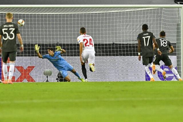Những khoảnh khắc Man Utd phải ôm hận trước Sevilla - 5
