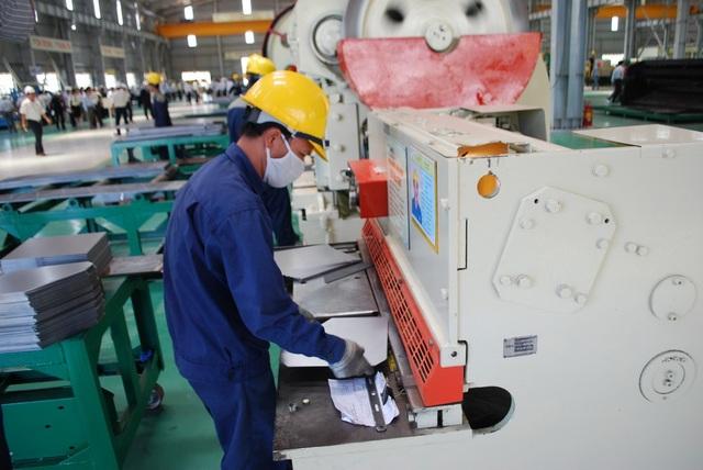 Quảng Nam rà soát cấp giấy phép lao động cho người nước ngoài - 1