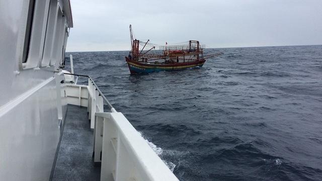 Vì sao Hà Tĩnh chưa hoàn tất lắp thiết bị giám sát hành trình cho tàu cá? - 1