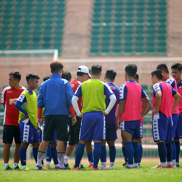 Lịch thi đấu V-League trùng với AFC Cup - 1