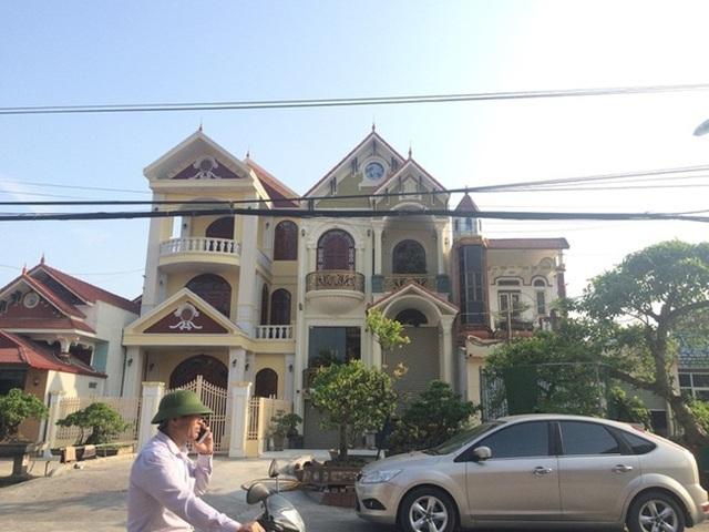 Xã giàu có ở Việt Nam, biệt thự không hiếm, có lâu đài xây 9 năm tốn hàng chục tỷ đồng - 1