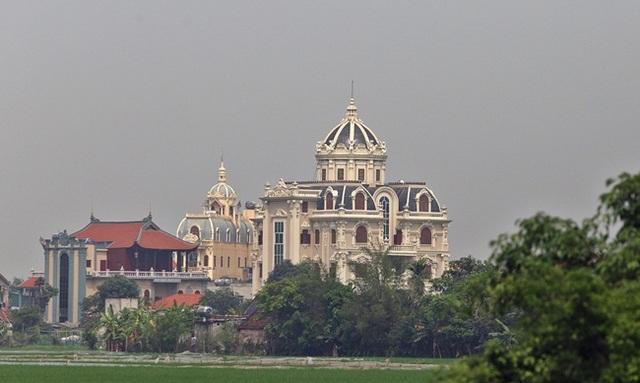 Xã giàu có ở Việt Nam, biệt thự không hiếm, có lâu đài xây 9 năm tốn hàng chục tỷ đồng - 3