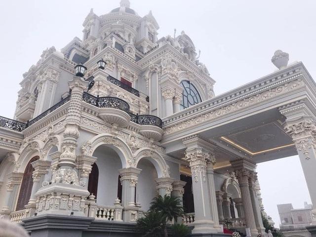 Xã giàu có ở Việt Nam, biệt thự không hiếm, có lâu đài xây 9 năm tốn hàng chục tỷ đồng - 5