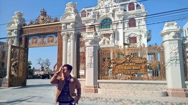 Xã giàu có ở Việt Nam, biệt thự không hiếm, có lâu đài xây 9 năm tốn hàng chục tỷ đồng - 9