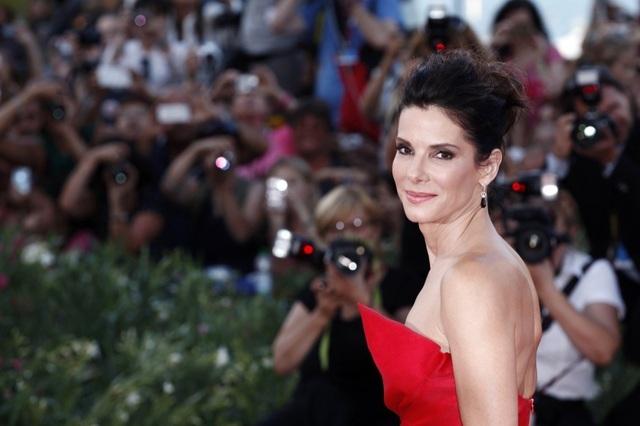 Hollywood không chỉ có Angelina Jolie nhận con nuôi - 3