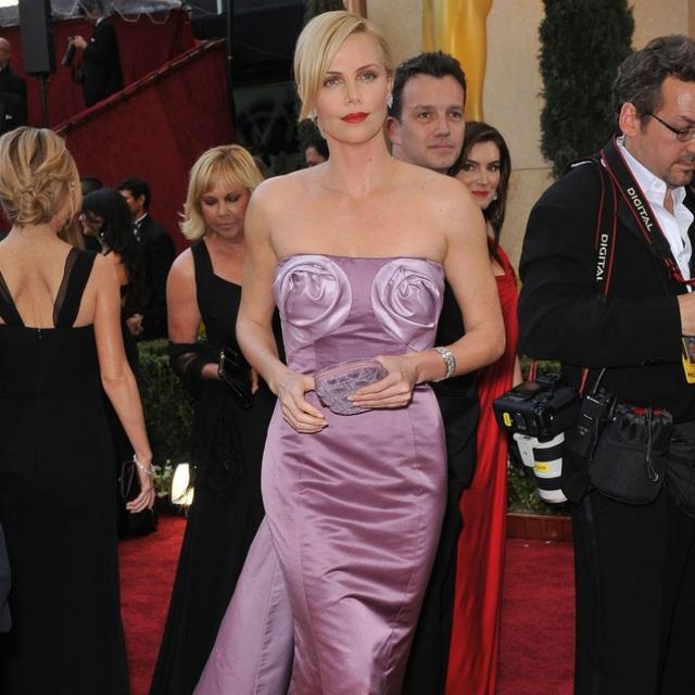 Hollywood không chỉ có Angelina Jolie nhận con nuôi - 5
