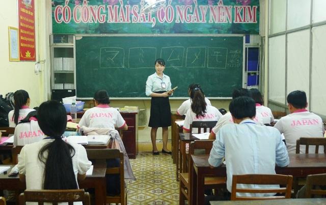 Hiện tại Trung tâm dịch vụ việc làm Đồng Tháp đạo tạo và phối hợp đào tạo ngoại ngữ cho 1.515 học viên