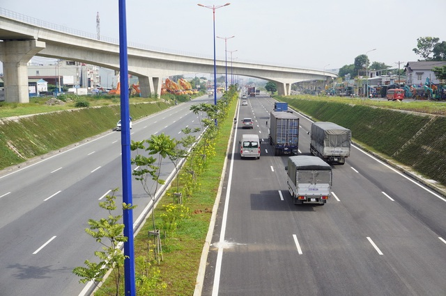 Trạm BOT Xa lộ Hà Nội sắp thu phí trở lại - 1