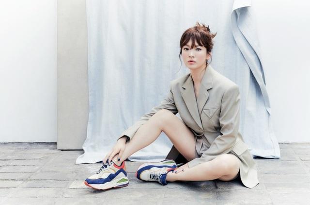 Hậu ly hôn: Song Hye Kyo sống an yên, gia đình Song Joong Ki lạnh nhạt - 12
