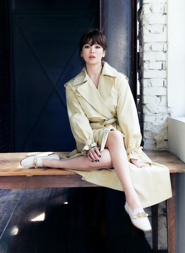 Hậu ly hôn: Song Hye Kyo sống an yên, gia đình Song Joong Ki lạnh nhạt - 8