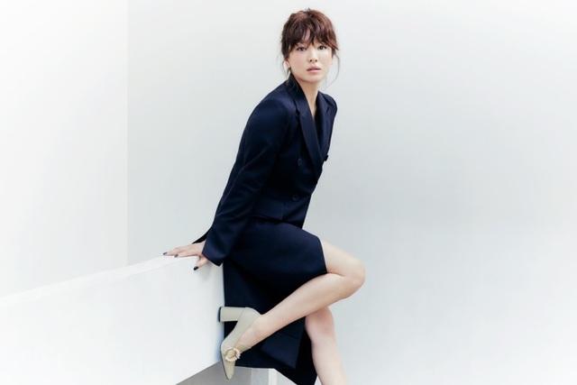 Hậu ly hôn: Song Hye Kyo sống an yên, gia đình Song Joong Ki lạnh nhạt - 17