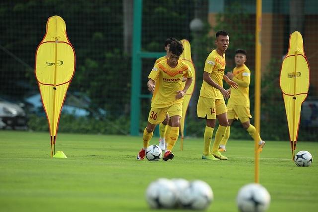 Thời tiết đẹp, U22 Việt Nam tăng tốc luyện công cho SEA Games - 4