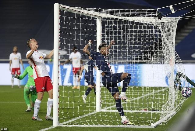 Neymar chói sáng trong chiến thắng của PSG trước Leipzig - 7
