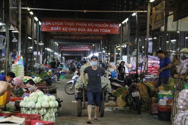 Về Sài gòn xem chợ không ngủ nhộn nhịp giữa mùa Covid-19 - 6