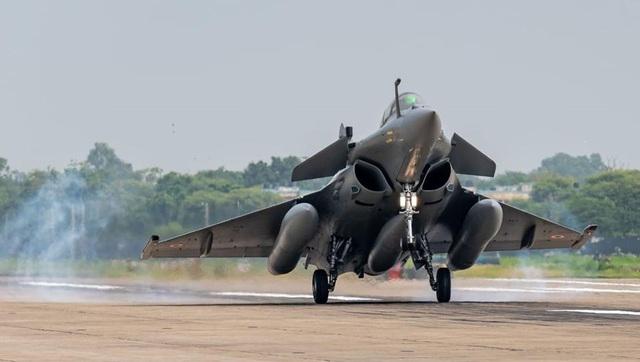 Trung - Ấn đồng loạt đưa máy bay chiến đấu tới căn cứ ở biên giới - 2