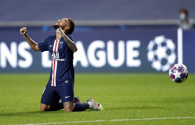 Neymar đã có thể thoát khỏi cái bóng của Messi và C.Ronaldo? - 2
