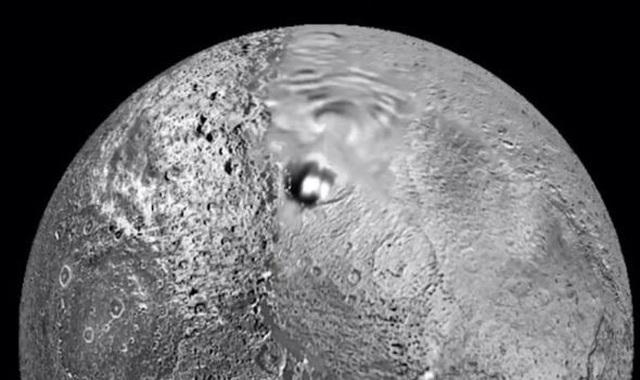 Căn cứ của người ngoài hành tinh được phát hiện trên hành tinh Lapetus ở sao Thổ - 1