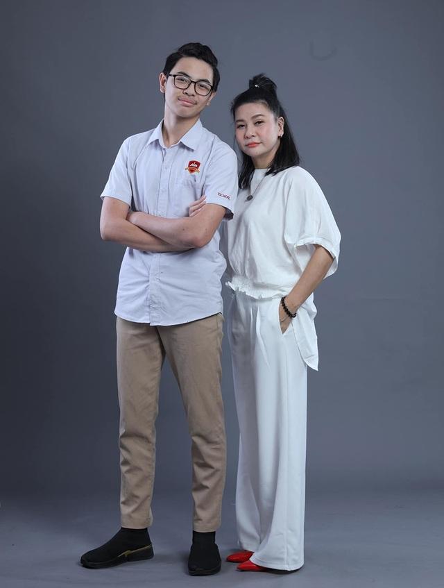 """Cát Phượng: """"Con tôi ngưỡng mộ hai người là Thái Hòa và Kiều Minh Tuấn"""" - 1"""