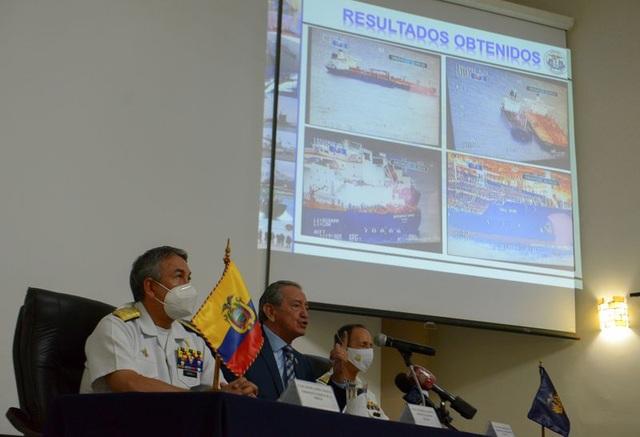 """Ecuador tố """"chiêu trò"""" của đội tàu cá Trung Quốc - 1"""