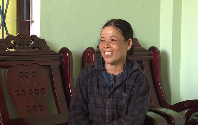 Nữ phụ hồ trả lại 150 triệu đồng nhặt được trong tấm bạt phơi lúa - 1