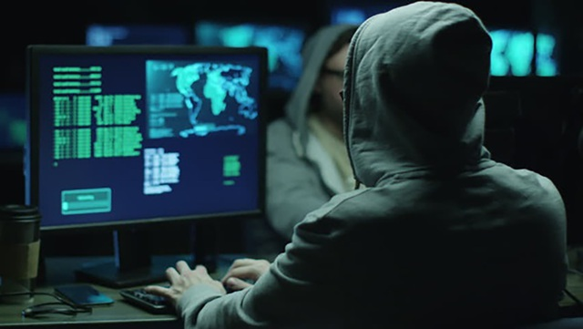 Khởi tố nhóm đối tượng lập 110 website lừa khách hàng Mỹ trong mùa dịch - 1