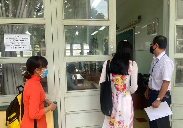 Ứng viên ngoại tỉnh về TPHCM cạnh tranh thi tuyển giáo viên - 3