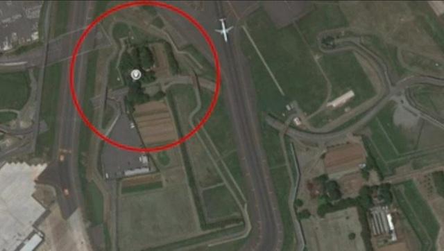 Từ chối 40 tỉ đồng đền bù, quyết giữ đất trồng rau... giữa sân bay đông đúc - 2