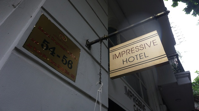 Ông chủ khách sạn Hà Nội bán chuối, chạy xe ôm trả tiền lương cho nhân viên - 2