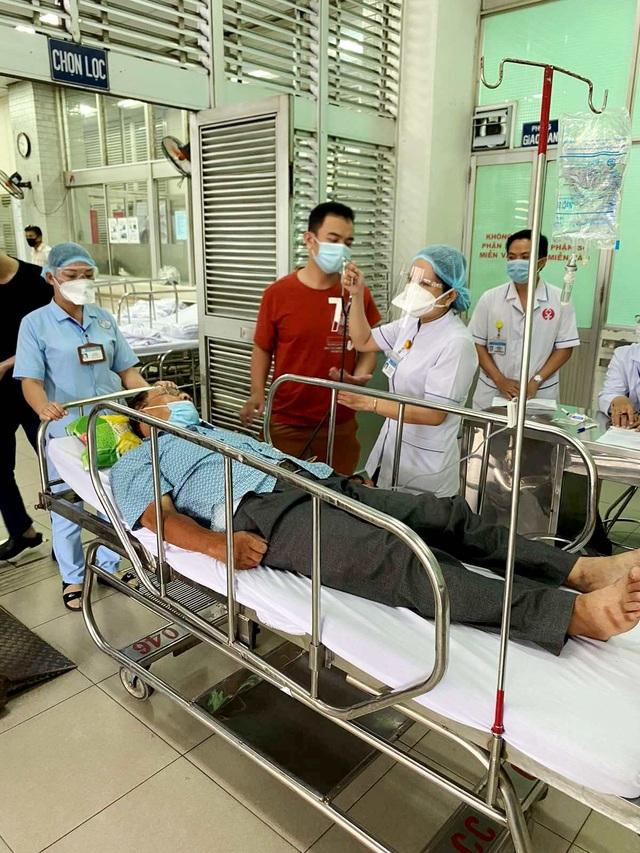 Bác sĩ đang chi viện chống dịch Covid-19, cha ở nhà bị nhồi máu cơ tim - 1