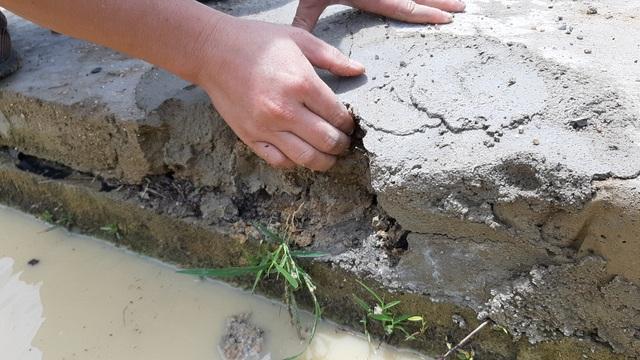 Dự án trăm tỷ vừa xong đã hỏng: Phát hiện đắp bùn nhão để trám bê tông - 1