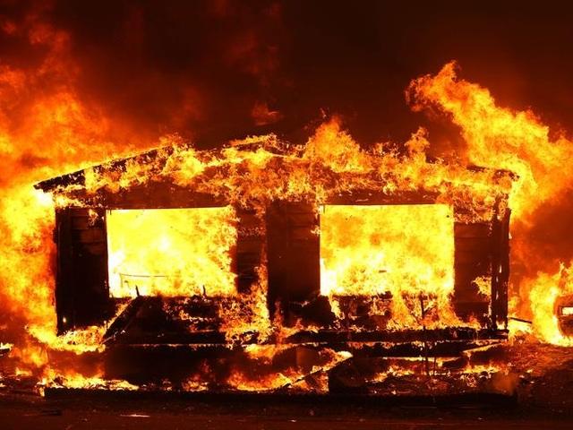 Cháy rừng kinh hoàng đe dọa California - 1