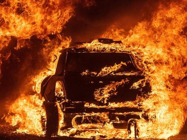 Cháy rừng kinh hoàng đe dọa California - 8