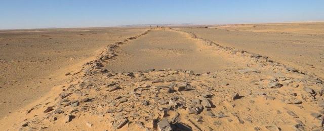 Bí ẩn các di tích bằng đá nghìn năm tuổi ở Ả Rập Saudi - 2