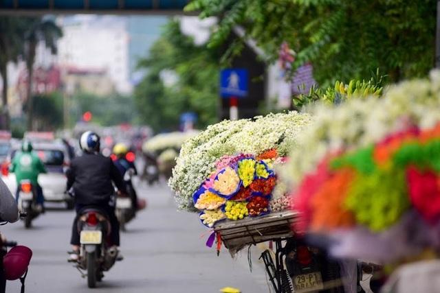 """""""Gánh hàng rong vẫn là một nét đặc trưng của văn hóa Hà Nội"""" - 3"""