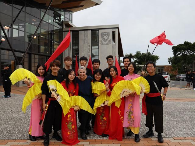 Chuyện sống với chủ nhà của học sinh Việt tại xứ sở kiwi - 3
