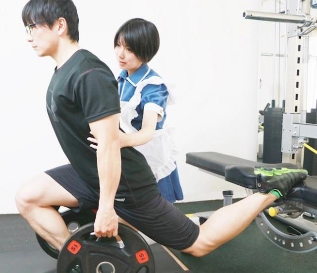 Mô hình phòng gym hầu gái độc lạ cực hút khách ở Nhật Bản - 2