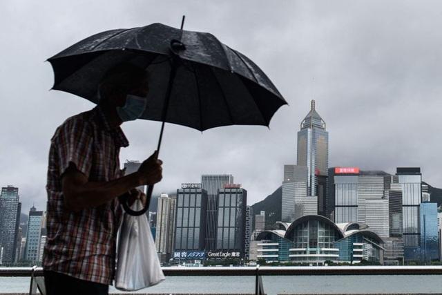 Mỹ chấm dứt 3 thỏa thuận với Hong Kong giữa lúc căng thẳng - 1