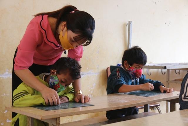 Không dám nhận học sinh vì thiếu giáo viên đứng lớp - 5