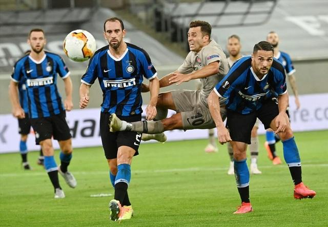 Inter Milan và 10 năm mòn mỏi chờ đỉnh vinh quang - 2