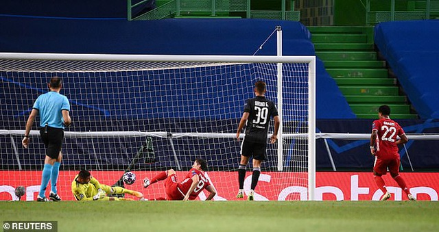 Dấu ấn ngôi sao và may mắn giúp Bayern Munich hạ Lyon - 7