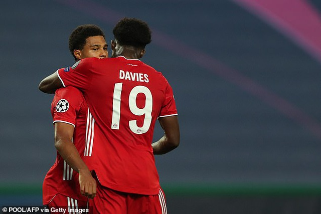 Dấu ấn ngôi sao và may mắn giúp Bayern Munich hạ Lyon - 6