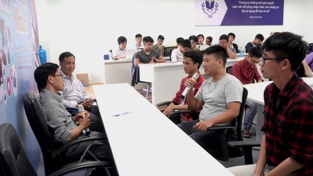 Sinh viên ngành CNTT Đại học Thái Bình Dương học tập trong mô hình IT Space - 4